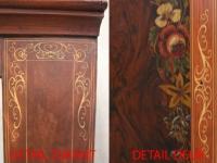 Restauratie antieke klok detail.Gehouten,pinstripe.