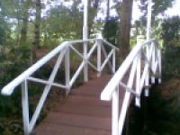 Oudhollandse brug beschilderd in hoogglans wit